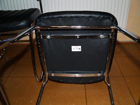 2 kusy stoličky,