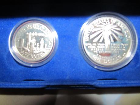 strieborne historicke mince s doporucenou postou,