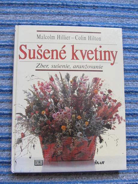 Susene kvetiny kniha s postou,