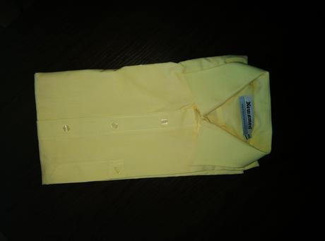 Žlté šaty, 42