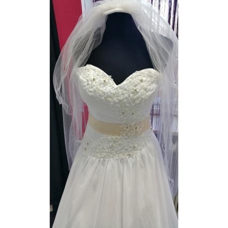 Svatební šaty Ema, 36