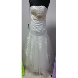 Svatební šaty Megan, 38