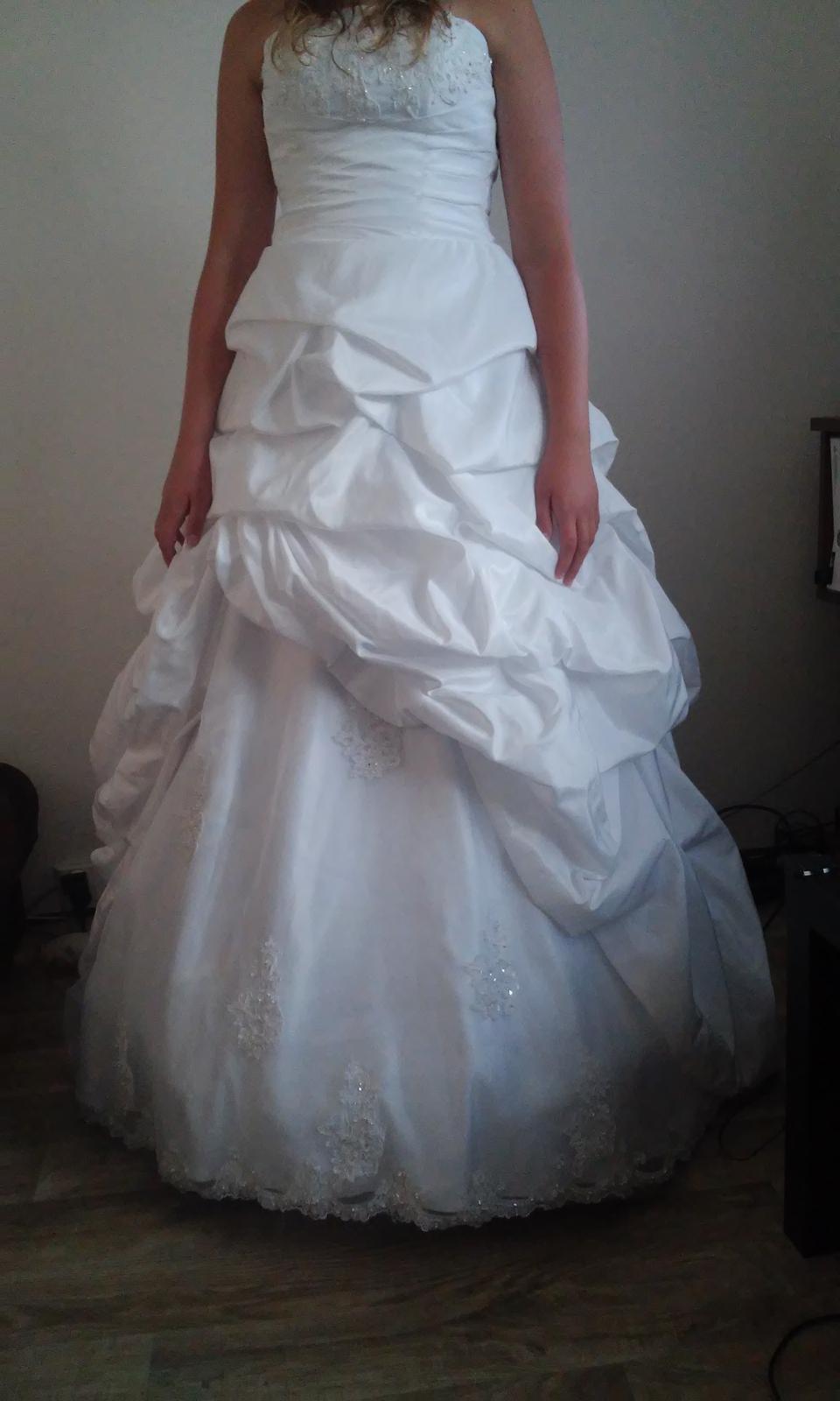 5118cd352818 Svatební šaty vel. 36-40