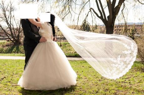 Svadobné šaty s kamienkami, 38