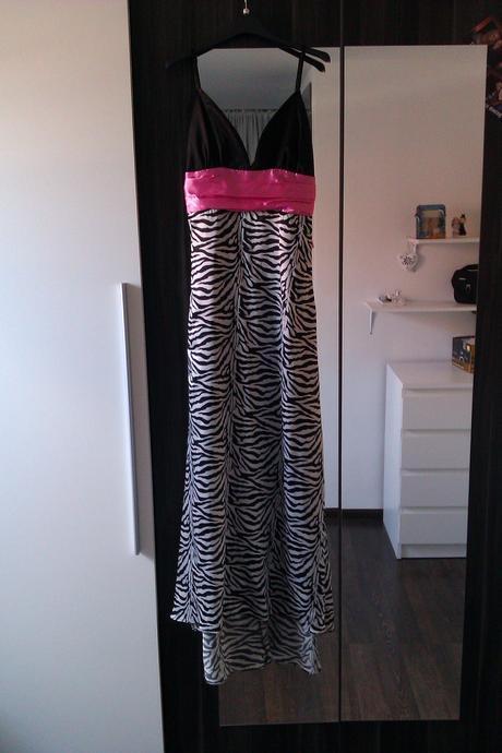 zebrované šaty, 36