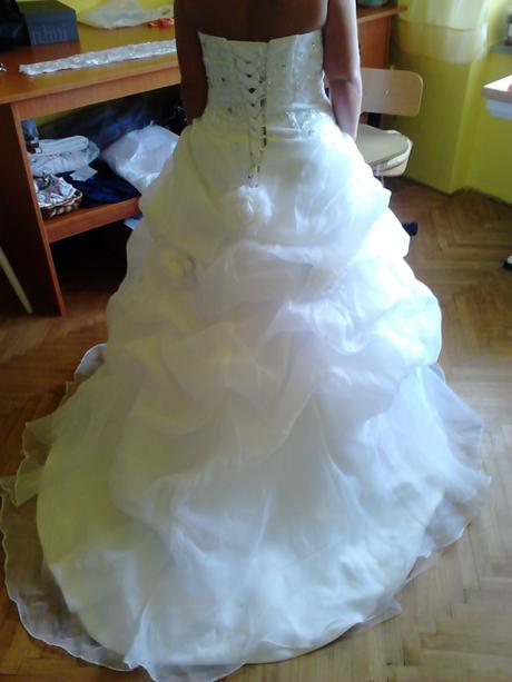 Svadobné šaty - snehovobiele, 38
