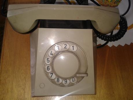 Telefon,