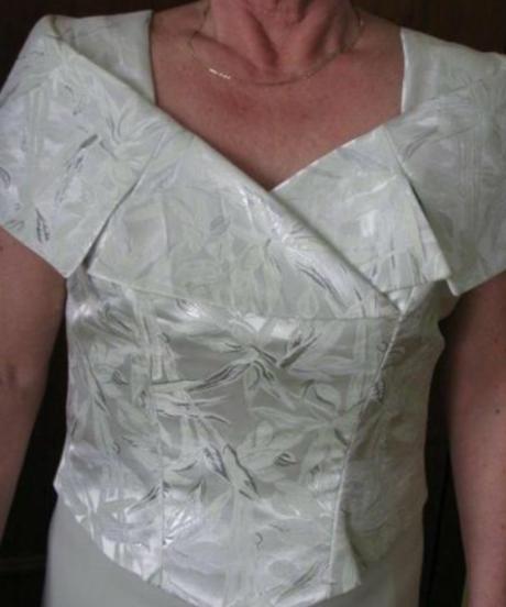 Kostym pre svadobnu mamu, 40