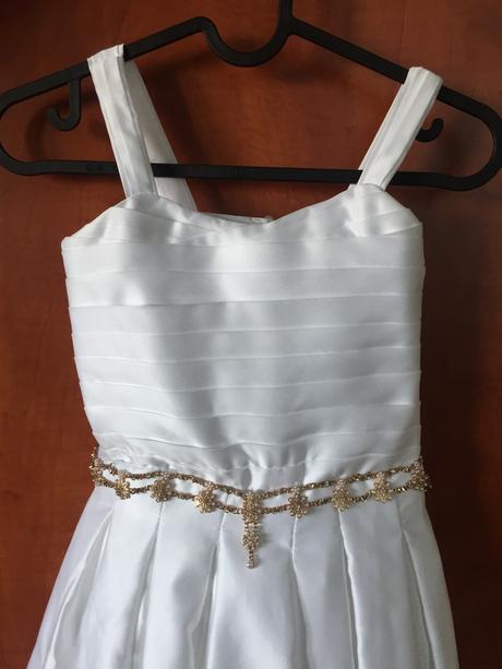 Spoločenské šaty , 122