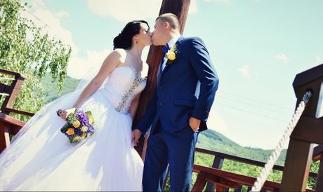 snehovo-biele svadobné šaty, 38