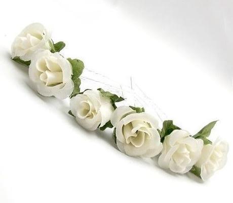 Malé bílé růžičky do vlasů,