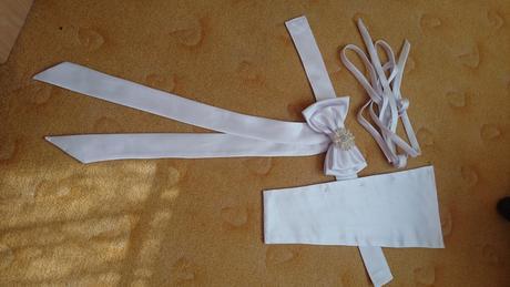 Tylové šaty s krajkou na ramínka (36/38), 38