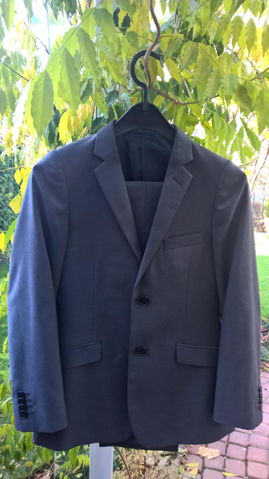 f22905a2ba8b Detský oblek (nohavice a sako)