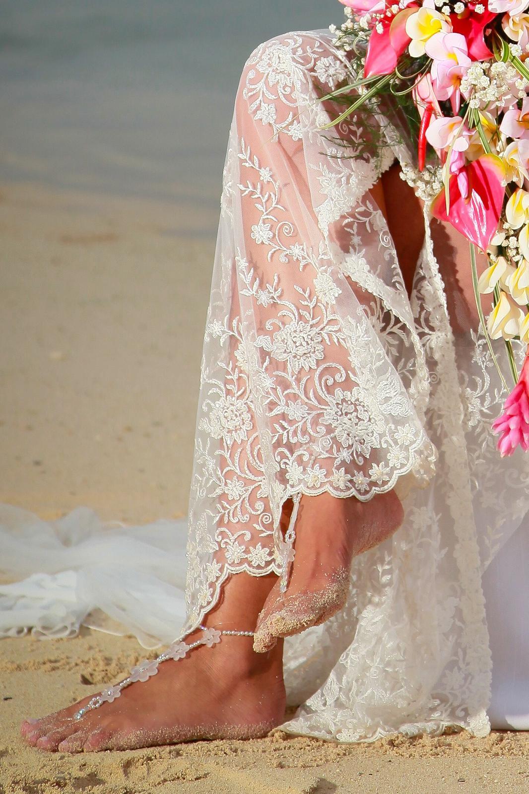 811c625331b Plážové svatební šaty