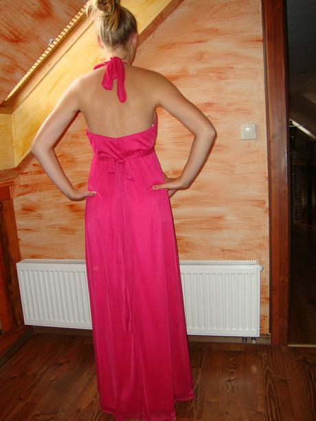 Cyklamenove šaty, M