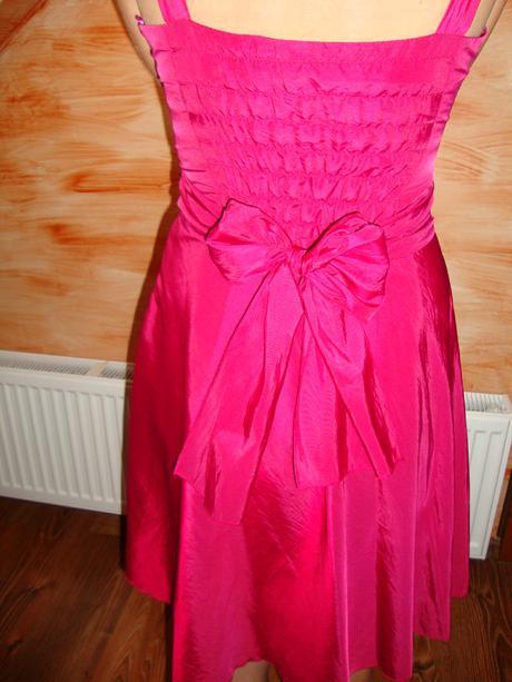 Slávnostné šaty, 36