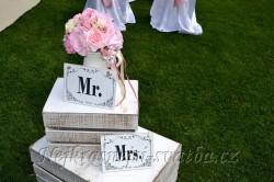 Svatební cedulky Mr. a Mrs. - půjčovna,