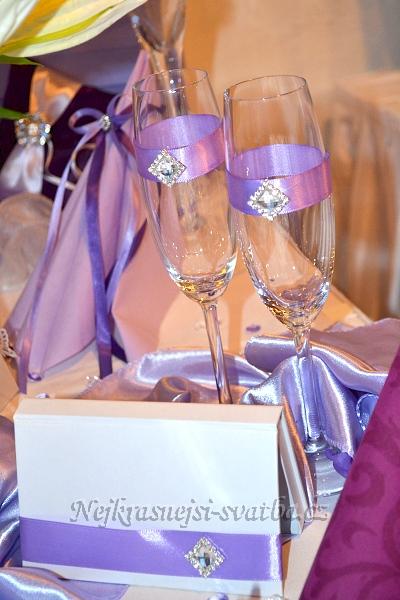 Svatební skleničky lila kamínek,