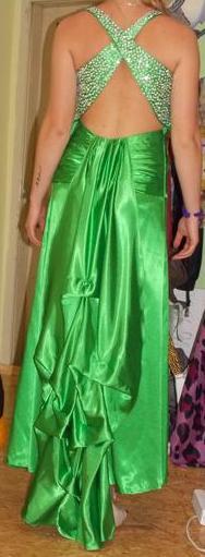 Zaujímavé šaty, 38