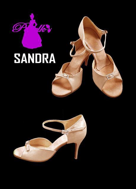 Luxusní boty od velikosti 33 až po 44, 37
