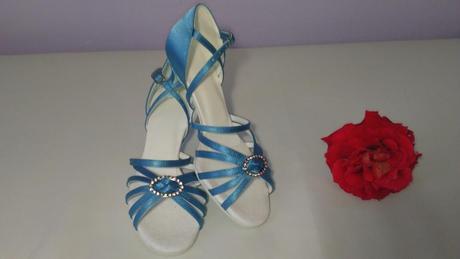 Luxusní boty od velikosti 33 až po 44 , 38