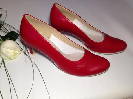 Slož si své svatební boty podle sebe od vel. 33-44,