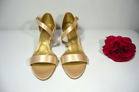Společenské sandálky - vanilkově zlatá vel. 40,5, 41