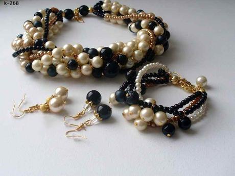 Svatební bižutérie náhrdelník podle Chanel,