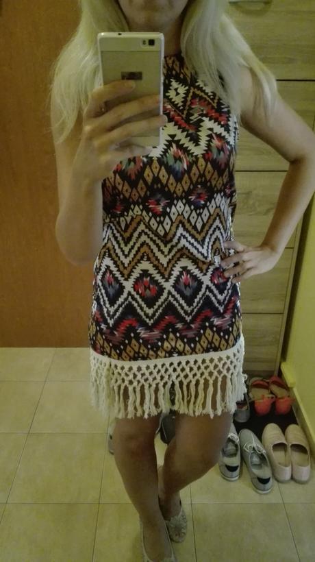 Indiánské šaty s třásněmi, 38