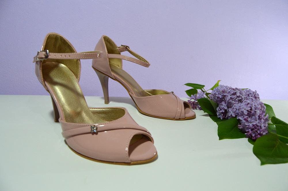78b190bb6d4d Ružovopúdrové svadobné topánky k-styl