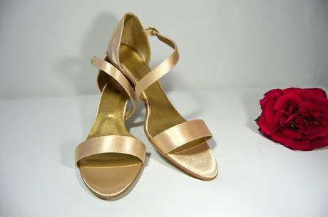 Spoločenské sandálky vanilkovo zlatá, veľ 40,5, 40