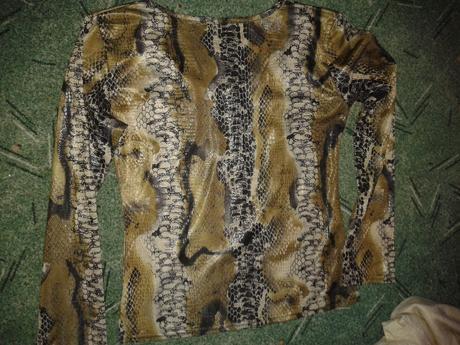 tričko s hadím vzorom , 36
