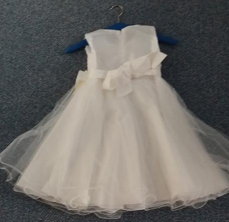 Bílé šaty pro družičky 1x vel. 92 a 2x vel. 116, 92