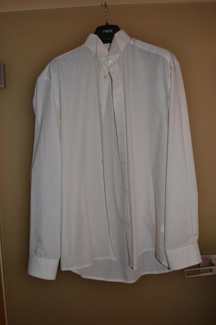 krémová nebo ivory košile se stojáčkem, 40
