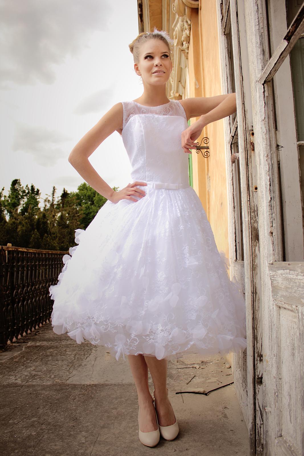 8780be5ab93e Retro svadobné šaty
