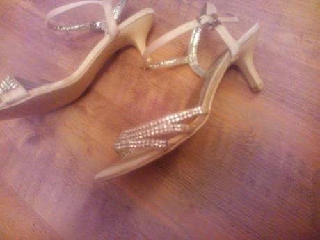 slavnostní sandálky s štrasovými kamínky, 37