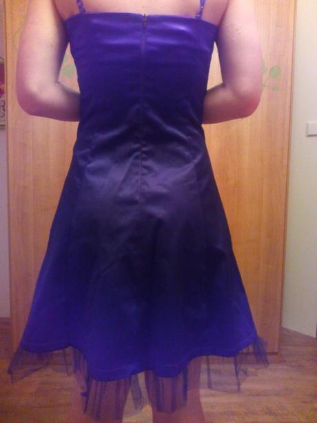 tmavě fialové společenské šaty, 36