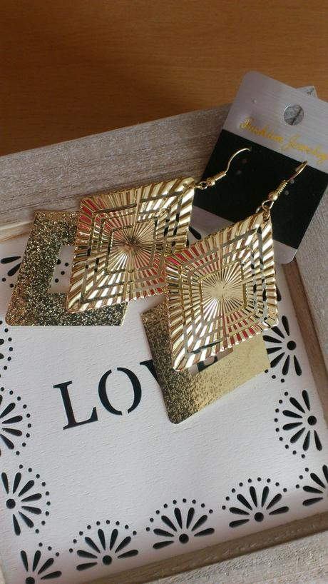 zlaté luxusní dlouhé náušnice,