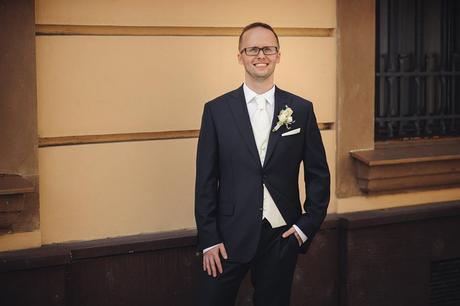 Svadobná vesta s kravatou, 50