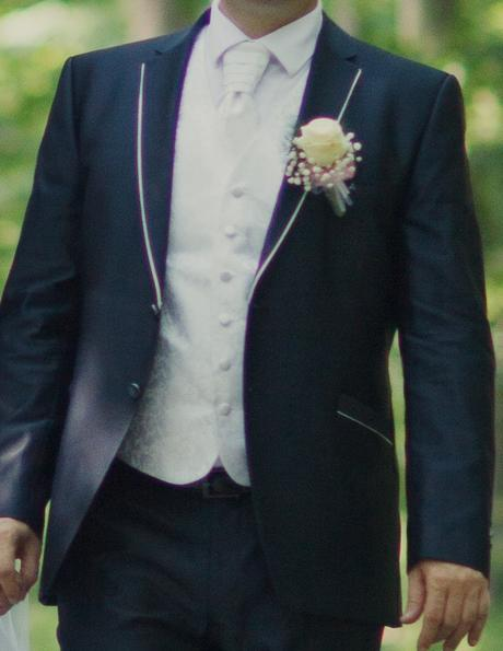 Pánska vesta s kravatou, 42