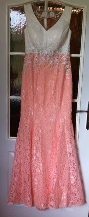 Luxusné spoločenské šaty, 40