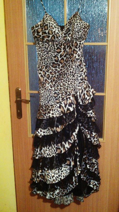 Spoločenské šaty, 44