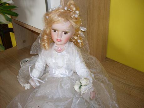svadobná bábika,