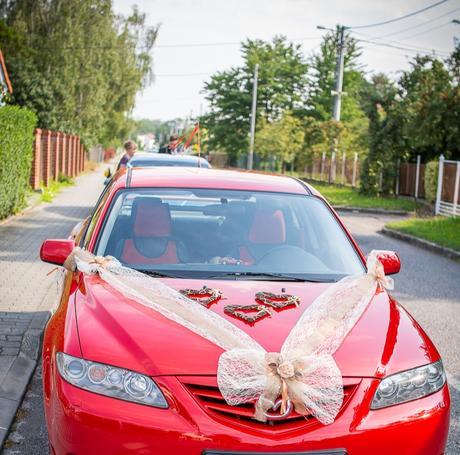 Vyzdoba  na auto pro nevěstu ,