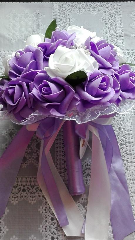 Kytice z pěnových růží lila/bílá,