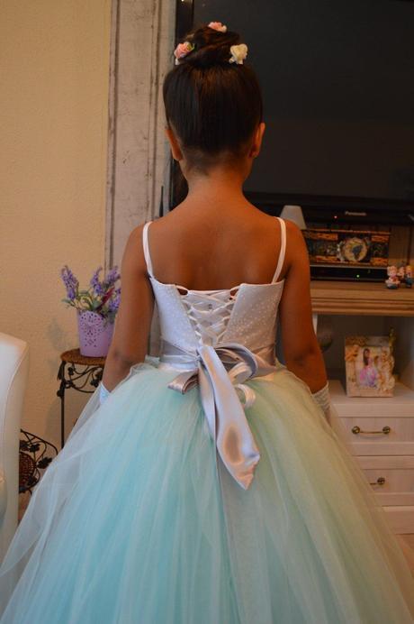 Nádherné spoločenské šaty, 122