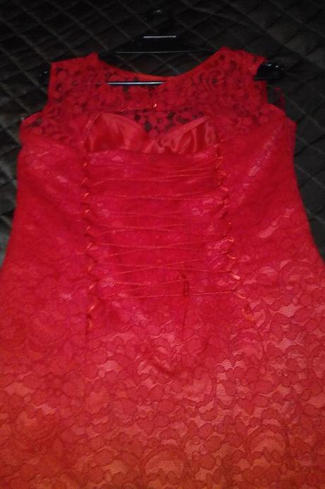 Krajkové šaty, 40