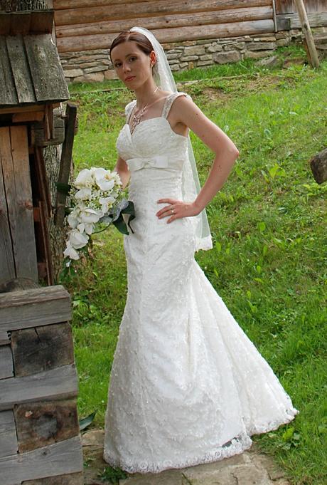 Pujčení nebo prodej Svatební šaty s krajkou, 34
