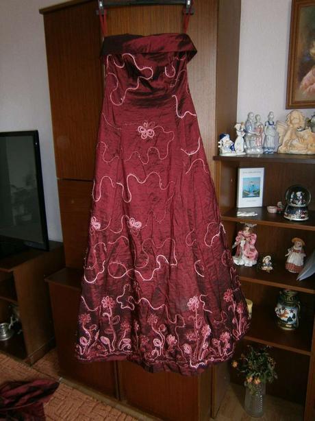4732b417453d dlhé spoločenské šaty so štólou
