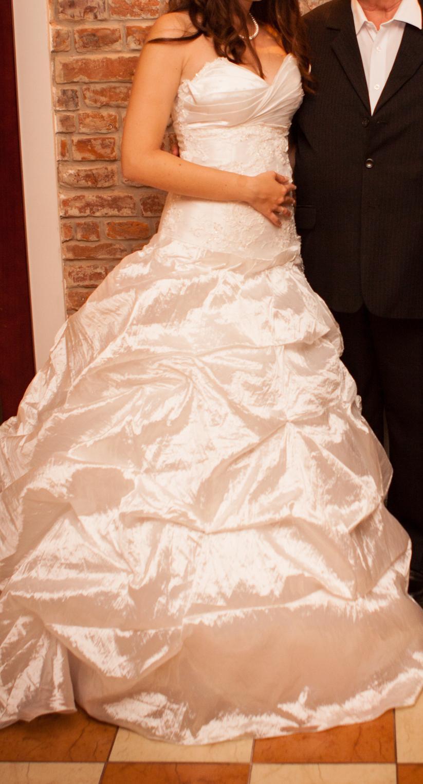 dee9e0af48d1 Talianske svadobne saty
